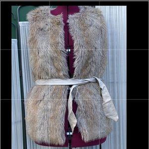 Gorgeous faux fur vest with vegan leather belt- SM